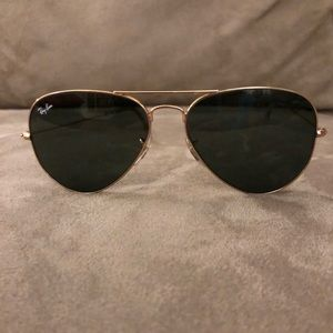 Ray Ban Aviator classic gold sunglasses